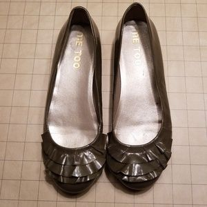 Me Too Alexis Ruffle Ballet Flat size 6 Patent